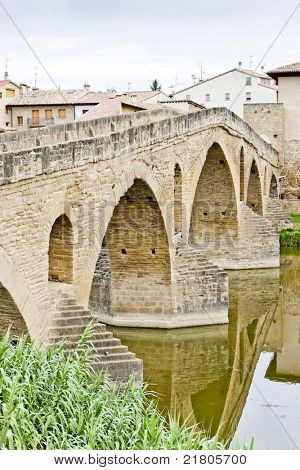 romanesque bridge over river Arga, Puente La Reina, Road to Santiago de Compostela, Navarre, Spain