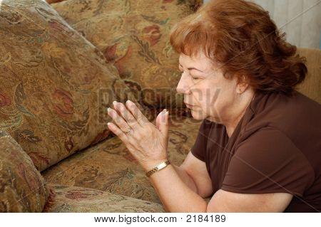 Prayingwoman0165 Copy