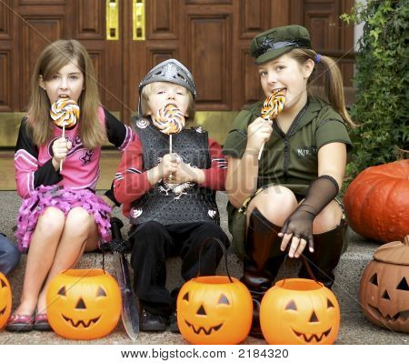 Halloween Treats For The Trick Or Treaters