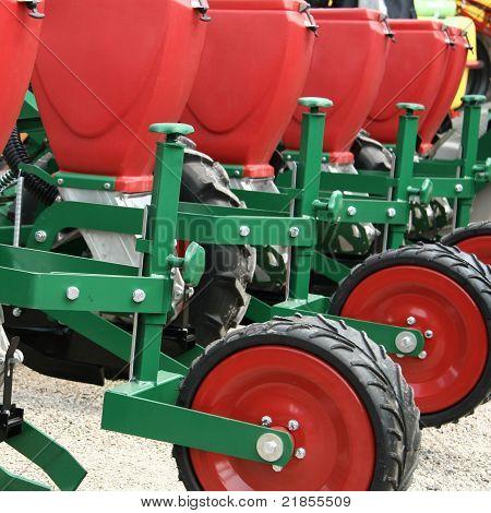 Seeder machine