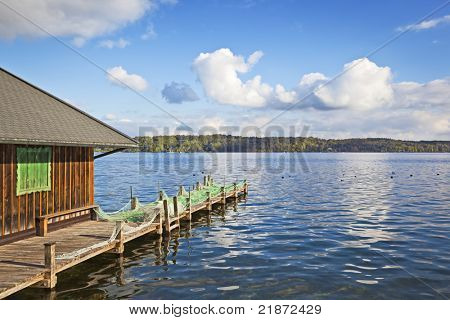 An image of lake Starnberg and a hut
