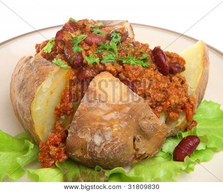 Baked potato with chilli con carne