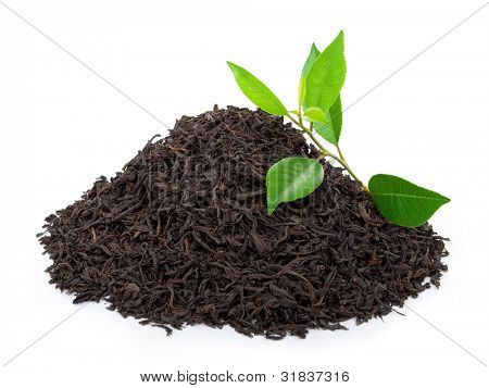 Black tea with leafs