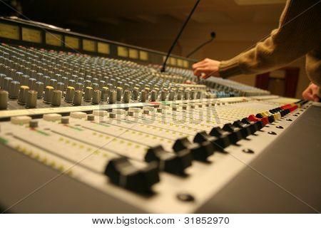 sound concert console
