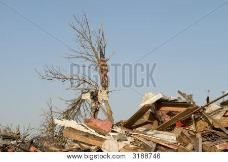 Old Glory Survived Parkersburg Iowa Tornado