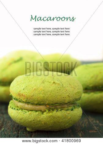 Macarrones con verdes con lugar para el texto