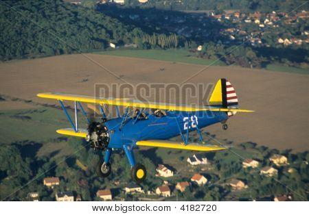 Biplane Boeing Pt-17 Kaydet / Stearman Model 75