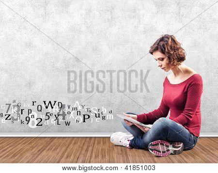 Mädchen mit einem computer