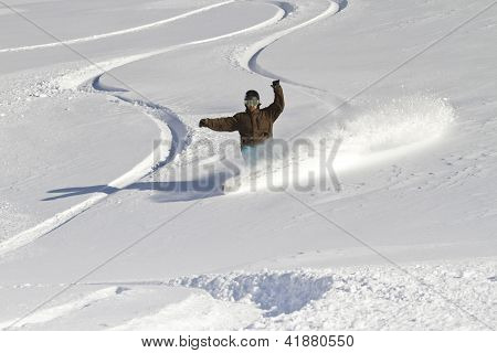 Snowboarder backcountry