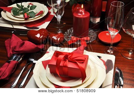 Red Romantic Valentine Dinner For Two Table Setting.