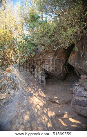 Bagno Asciutto Cave, Pantelleria