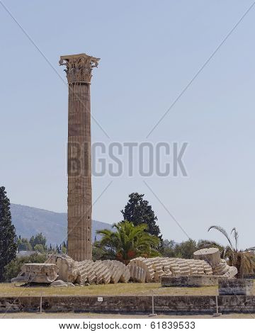 ruins of the olympian zeus ancient Greek temple