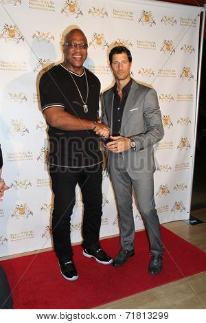 LOS ANGELES - SEP 10:  Tiny Lister, Rib Hillis at the Dance With Me USA Grand Opening at Dance With Me Studio on September 10, 2014 in Sherman Oaks, CA
