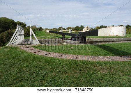 Caen Hill Lock