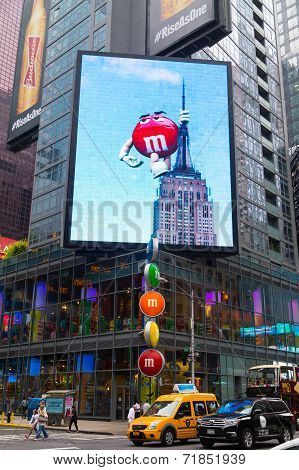 M and M's World