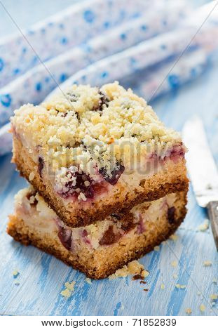 Fruit Cake With Streusel