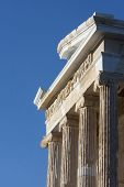 Постер, плакат: Close Up Of Temple Of Athena Nike