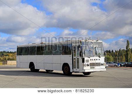 Classic Scania Lahti 20 Bus Departs