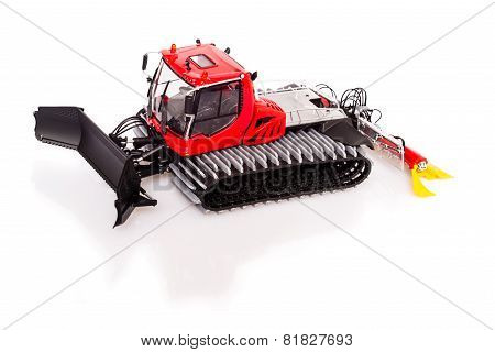 Snow-grooming machine or snowcat