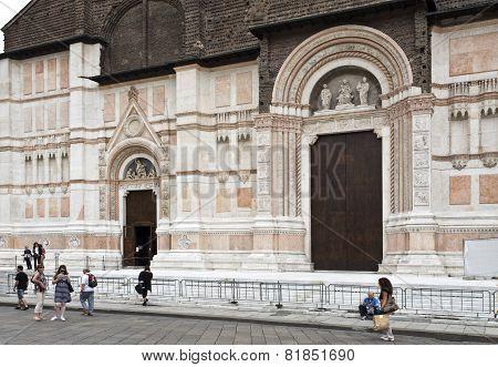 Bologna Basilica De San Petronio