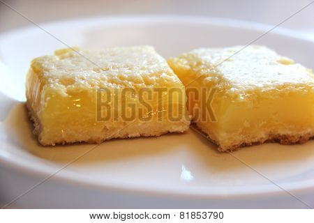 Delicious Homemade Lemon Bar