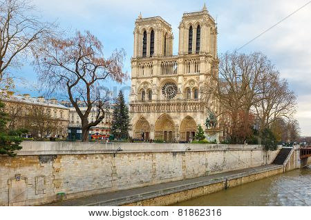 Cathedral of Notre Dame de Paris at Christmas
