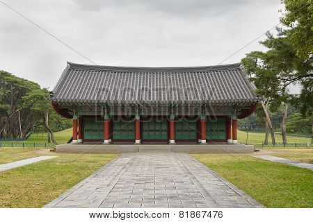 Gyeongju, Korea - October 20, 2014: Architecture In The Oreung