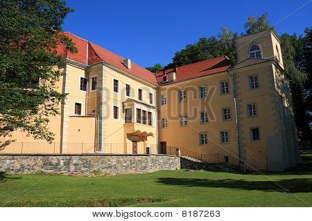 Castle in Trzebieszowice