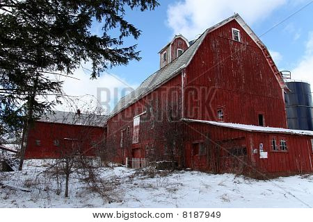 Old Barn - Abandoned