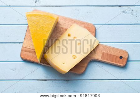 top view of edam cheese