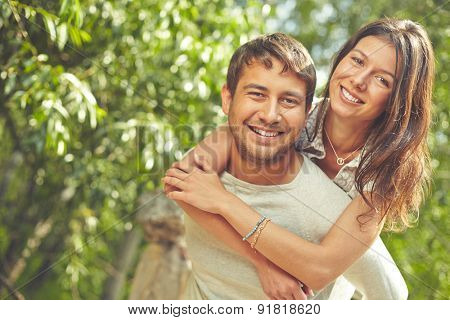 Romantic dates spending time outdoors