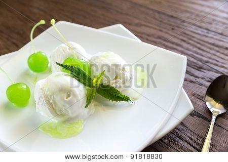 Vanilla Ice Cream With Maraschino Cherries