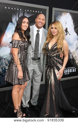 LOS ANGELES - MAY 26:  Simone Alexandra Johnson, Dwayne 'The Rock' Johnson, Dinah Jane Hansen at the