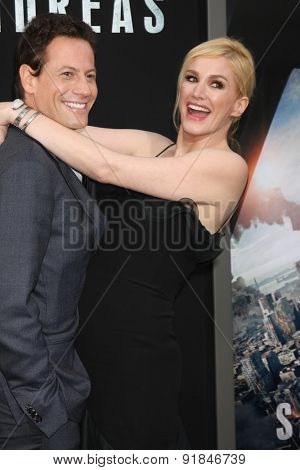 LOS ANGELES - MAY 26:  Ioan Gruffudd, Alice Evans at the
