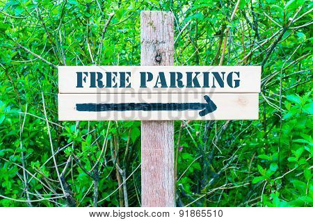 Free Parking Directional Sign