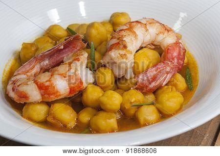 Chickpeas with prawns