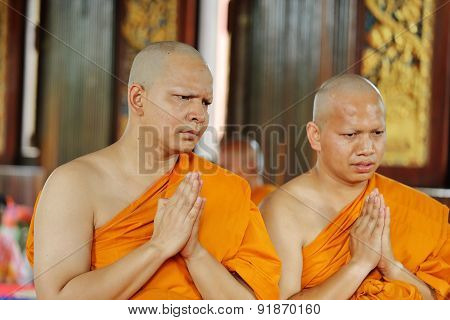 Ordination Ceremony That Change The Thai Young Men To Be The New Monks