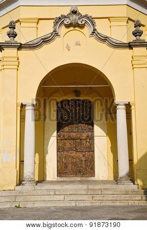 Door   In Italy  Lombardy   Column