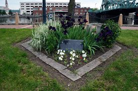 picture of terrorist  - A memorial in honor of the victims of the September 11 - JPG