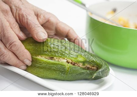 Stuffing cucumbers preparation : Filling the stuffing cucumbers