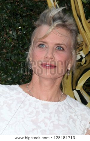 LOS ANGELES - APR 29:  Mary Beth Evans at the 43rd Daytime Emmy Creative Awards Arrivals at the Westin Bonaventure Hotel  on April 29, 2016 in Los Angeles, CA