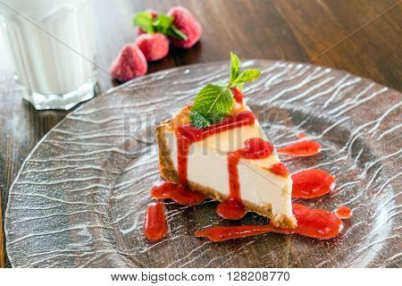 cheesecakes with berries