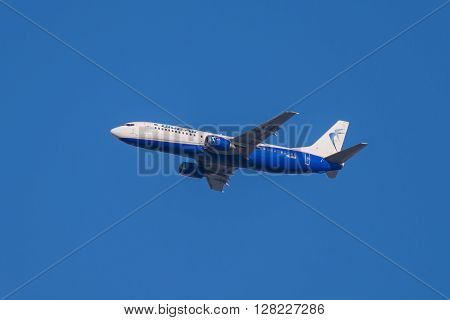 Flying Boeing 737 - 405 Aircraft, Blue Air Flight