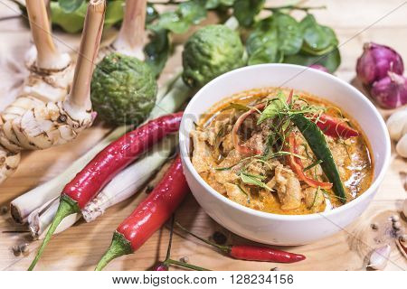 Delicious thai food Chicken panang curry and ingredient