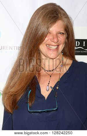 LOS ANGELES - APR 30:  Eliza Roberts at the Suzanne DeLaurentiis Productions Gifting Suite at the Dylan Keith Salon on April 30, 2016 in Burbank, CA