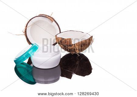 Tub Containing Coconut Oil Are Used As Moisturizer For Skin