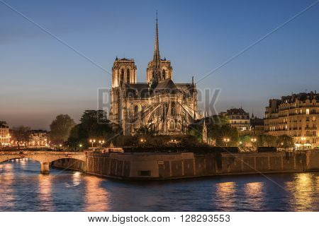 Night panoramic view to Cite island with Notre-Dame de Paris