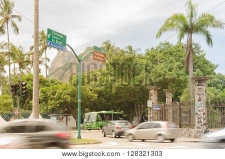Rio De Janeiro, Brazil - Circa Jan 2016: Drive In The Rio De Janeiro Streets With Sugarloaf Mountain
