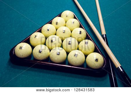white balls for Billiards in a triangle and two cue