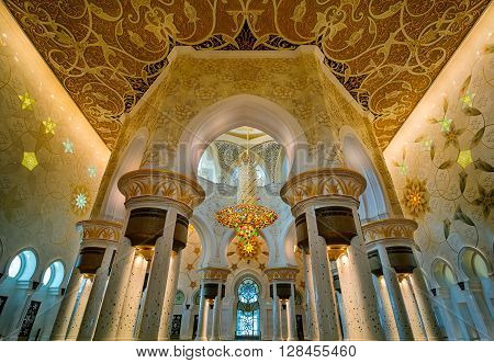 ABU DHABI, UAE - APR 9, 2013: Majestic interior view at Sheikh Zayed Grand Mosque, Abu Dhabi, United Arab Emirates
